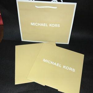 Michael Kors shoppers bag and box